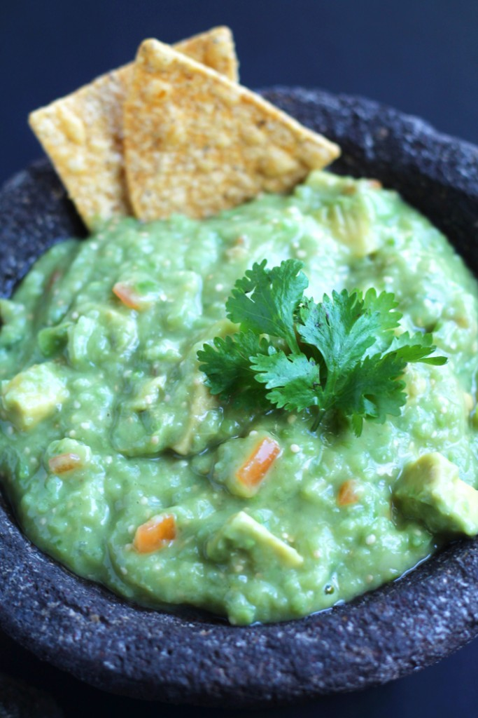 Tomatillo-Guacamole-Beauty