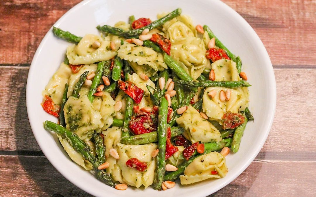 Cheese Tortellini with Pesto and Sun-Dried Tomatoes
